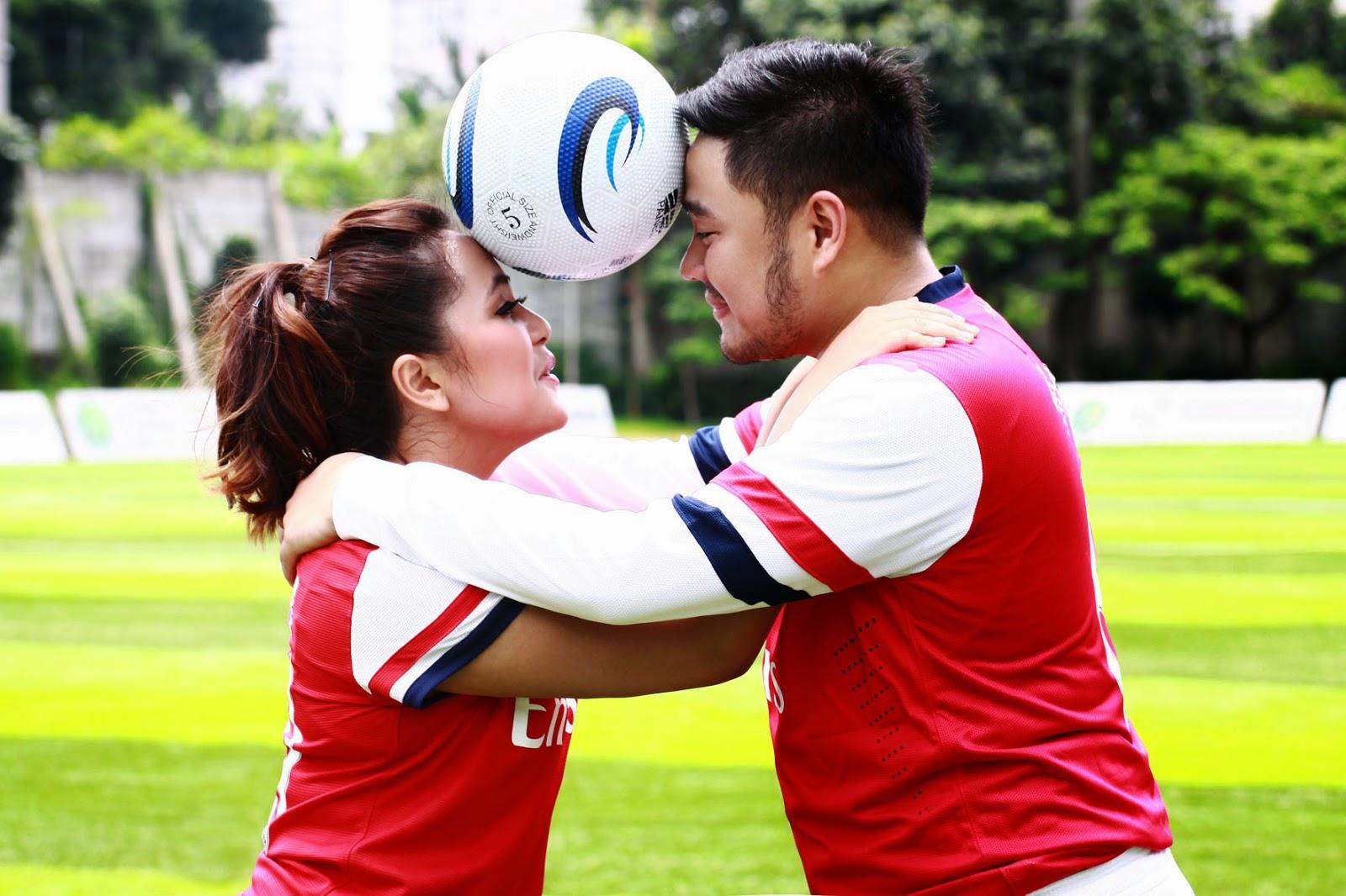 20 Foto Inspirasi Pre Wedding Bertema Sepak Bola Unik Dan Romantis