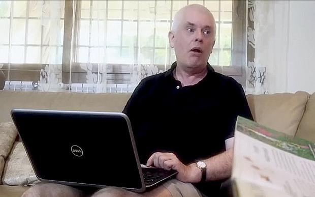 Profesor ini punya pekerjaan sampingan jadi bintang film porno, wah!
