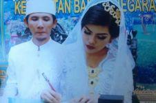Pasangan ini menikah setelah 2,5 tahun LDR , so sweet!