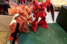 Perhatikan robot Gundam ini, kamu nggak bakal nyangka bahan pembuatnya