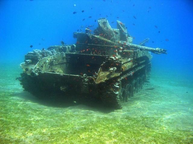11 Bangkai kendaraan perang di dasar laut ini bikin merinding, ngeri!