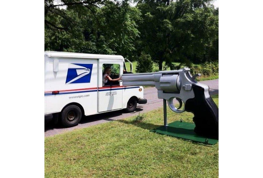 Lagi, 20 kotak surat yang membuat tukang pos senyum-senyum....