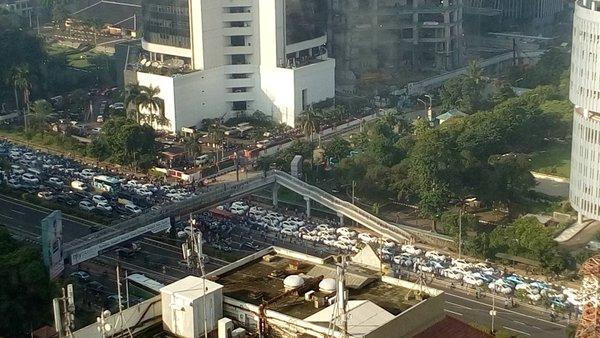 Demo sopir taksi berbuntut macet di sejumlah ruas ibukota
