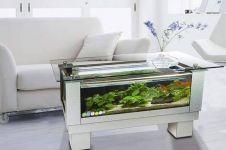 17 Desain perabot ini unik & keren abis, jadi meja sekaligus akuarium