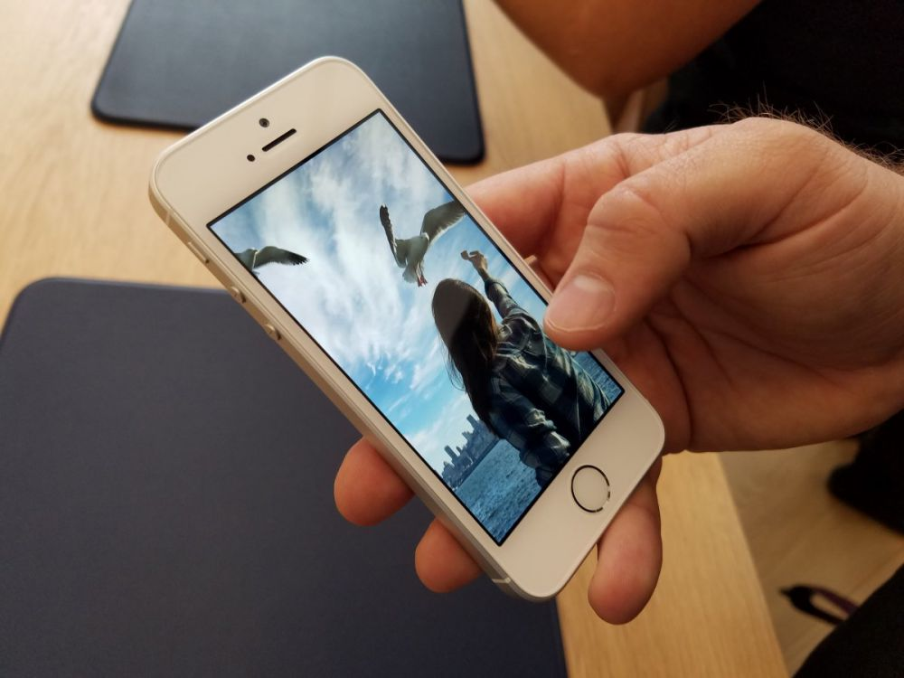How to Recover Deleted Photos from iPhone - iPhone Photo