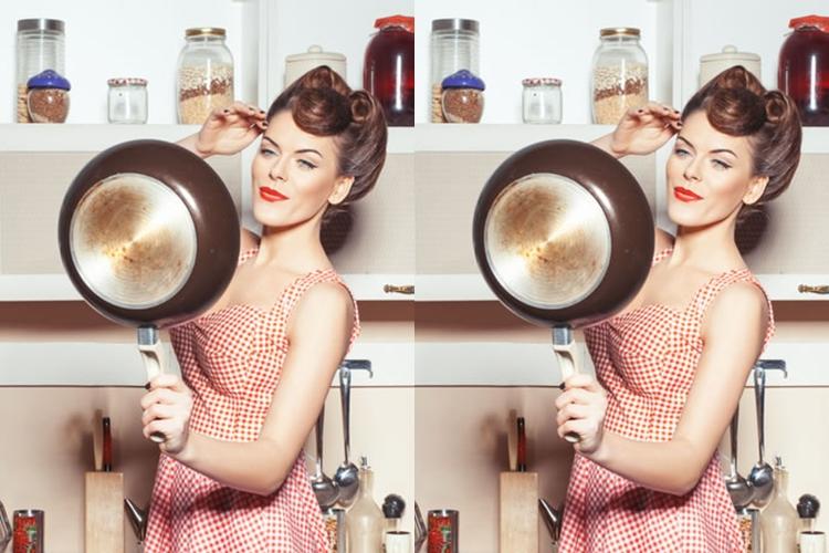 Selain di kamar, cermin juga perlu dipasang di dapur. Untuk apa ya?