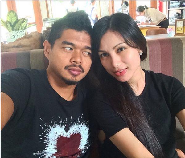 Cantiknya Tribuana Tungga Dewi, istri pesepakbola Bambang Pamungkas