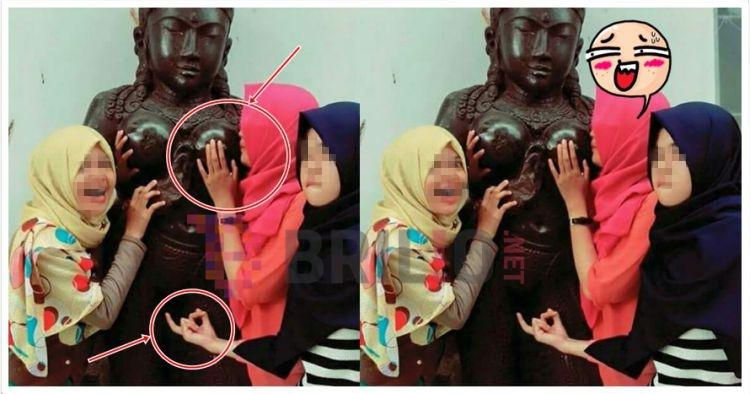Pose mesum di depan patung kuno, 3 cewek ini dihujat netizen