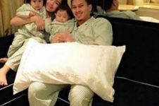 15 Foto buktikan Ahsan, si juara dunia bulutangkis sosok ayah hangat