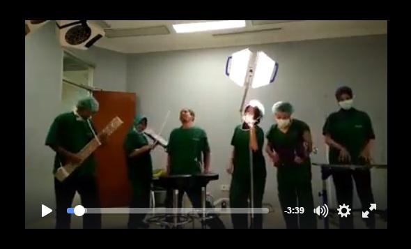 VIDEO : Lagu Sambalado versi perawat di ruang operasi, lucu banget