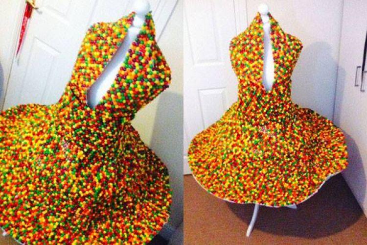 Bahan membuat gaun cantik ini dijamin bikin kamu melongo, apa ya?