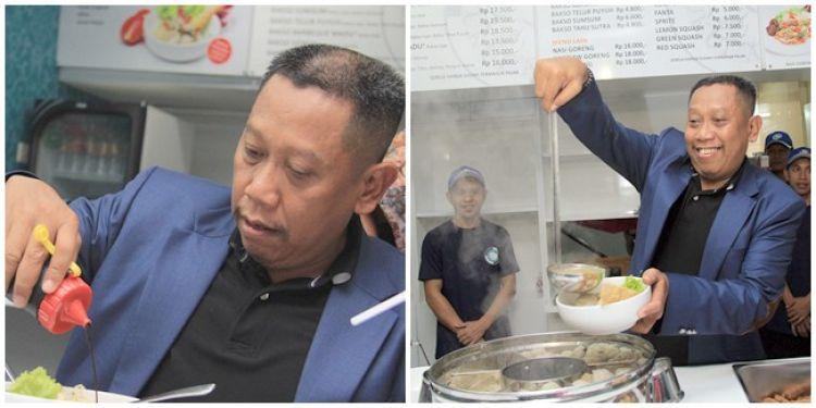 5 Cara unik orang Indonesia saat makan bakso, hayo kamu yang mana?