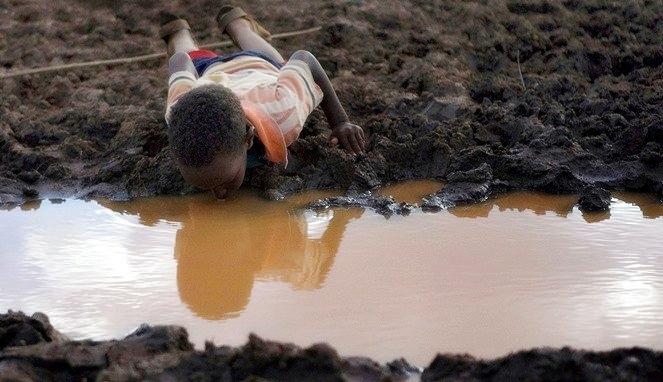 Miris, di beberapa negara ini air lebih mahal dari emas, duh!