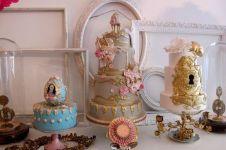 10 Kue ini terinspirasi dari kue kerajaan. Elegan dan nggak tega gigit