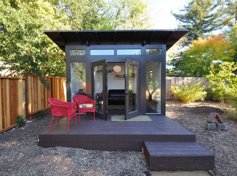20 Desain Bangunan Mini Ini Bikin Halaman Rumahmu Makin Berwarna