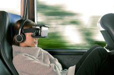 15 Keseruan yang hanya dirasakan gamer virtual reality, bikin ngiri!
