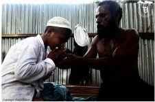 Beda agama, ayah ini tetap biayai anaknya belajar Islam di pesantren