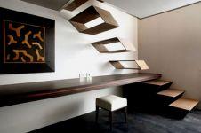 18 Desain tangga rumah yang bikin kamu ingin naik turun manja, aw!