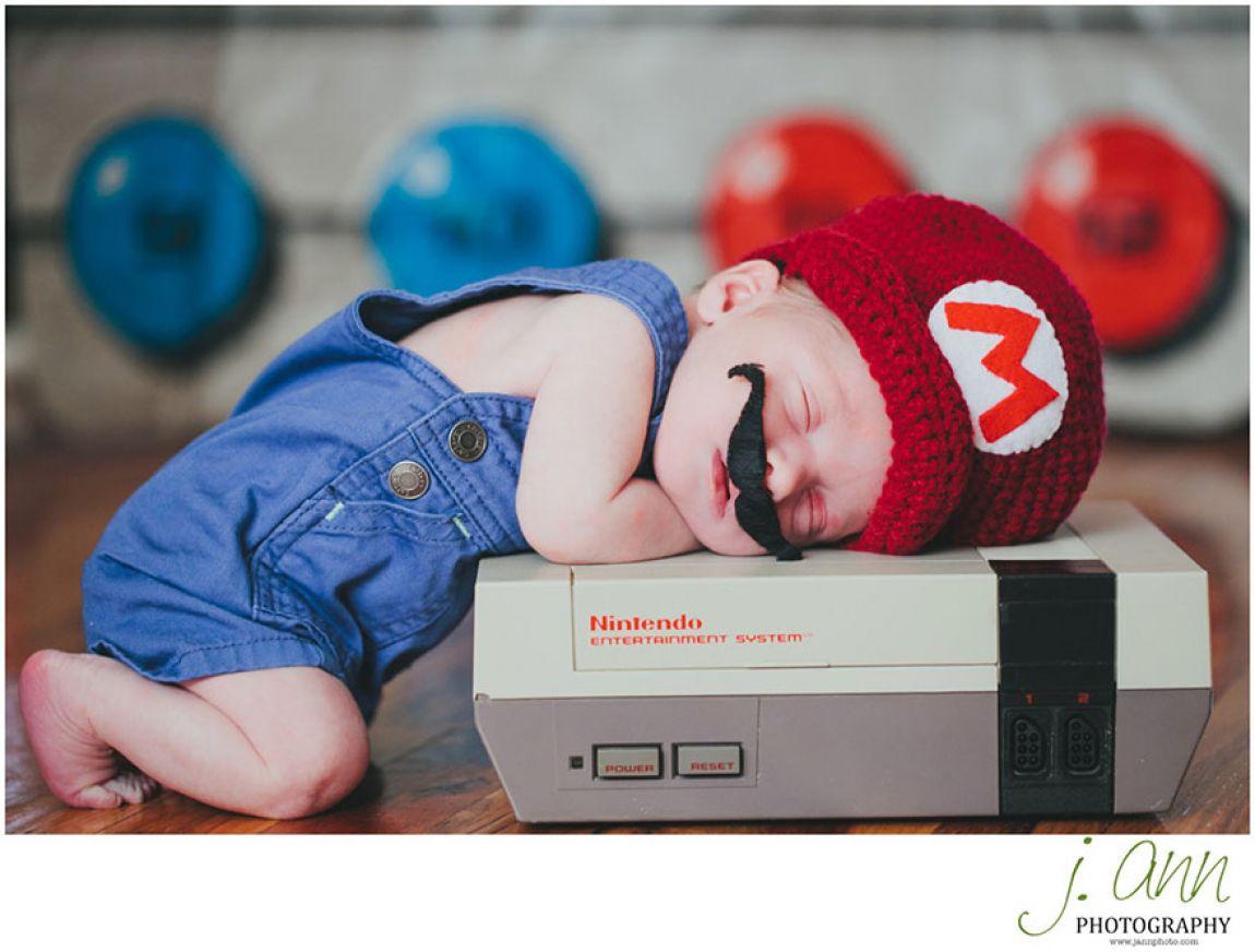 20 Foto bayi memakai kostum superhero & tokoh kartun, men