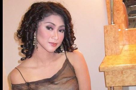 14 Foto perubahan Ira Swara sebelum dan sesudah berhijab, makin elegan