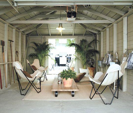 17 Cara simpel manfaatkan bekas garasi jadi ruangan cantik, coba ya!