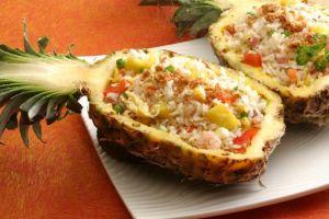 Yuk bikin nasi goreng nanas sendiri, simpel resepnya!