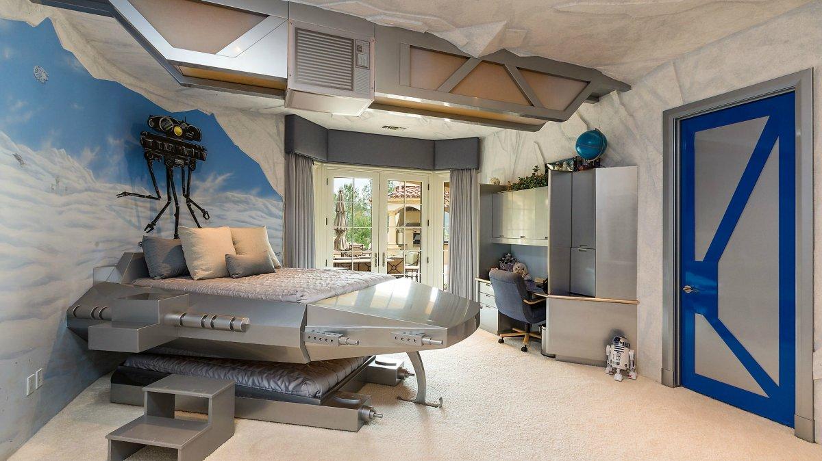 25 Perabot unik bertema Star Wars, bikin berasa tinggal di Galactic