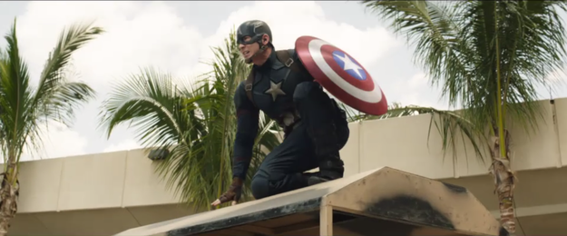10 Transformasi Chris Evans 'Captain America', bikin cewek histeris!
