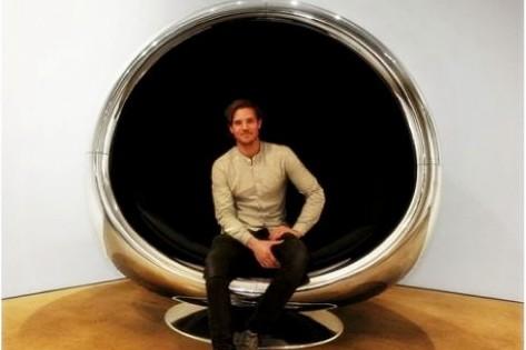 Furnitur paling eksklusif, kursi dari penutup turbin pesawat terbang