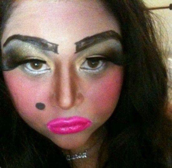 Makeup mata gagal © 2016 brilio.net