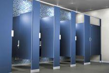 9 Alasan tak terduga desain bilik toilet umum tak tertutup sepenuhnya