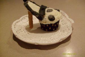 10 Cupcakes ini berbentuk high heels lho, tega gigitnya?
