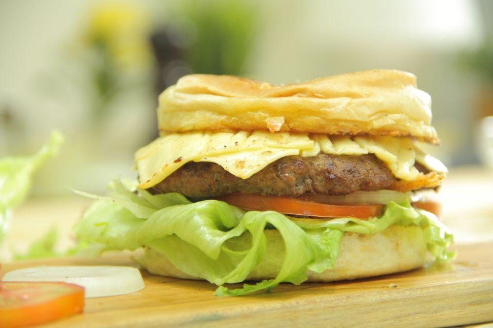 bikin burger © 2016 brilio.net
