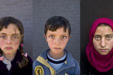 17 Potret anak-anak di Suriah, lihat tatapan matanya, bikin haru...