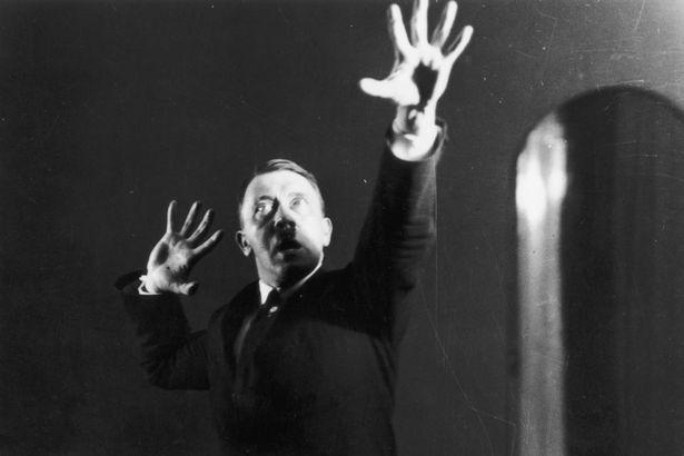 Terbongkar, sisi lain Hitler dari 6 foto yang dirahasiakan 90 tahun!
