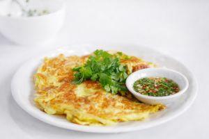 Yuk bikin camilan sehat bean sprout omelette ala kamu, gampang banget!