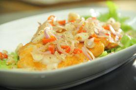 Kamu pecinta sambal? Yuk, bikin Dory Fish with Classic Sambal Matah!