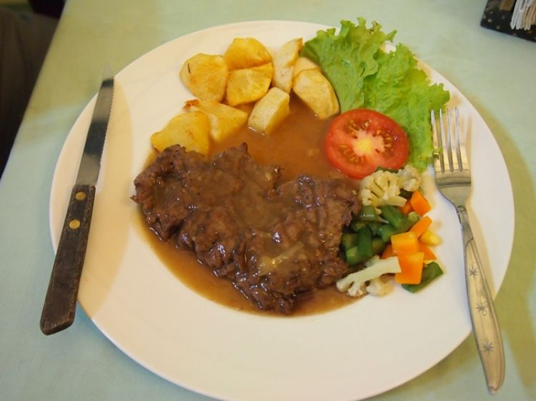Yuk bikin bistik sapi yang nggak kalah dari steak restoran, gampang!