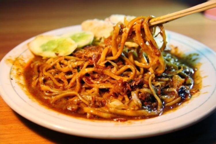 Tak perlu ke restoran, Mie Aceh ternyata resepnya gampang, yuk bikin!