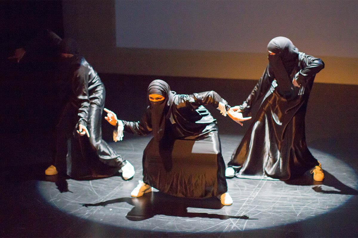 Heboh Grup Dance Hip Hop Wanita Ini Menari Dengan Berhijab