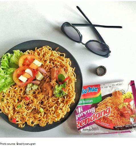 makan Indomie © 2016 brilio.net