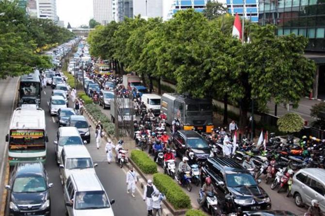 4 Pahlawan ini sering kena sumpah serapah macetnya Jakarta, siapa ya?