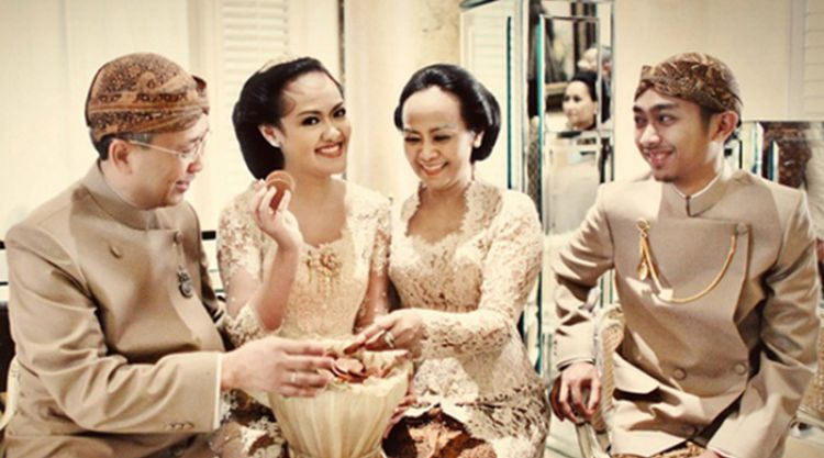 4 Unique Wedding Traditions You Will Probably Only Find In Indonesia