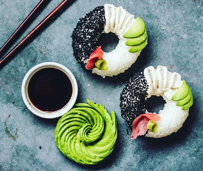 sushi bentuk donat © 2016 brilio.net