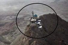 Netizen Malaysia dihebohkan bangunan mirip masjid di puncak gunung