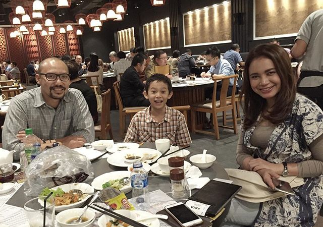 Rossa buka puasa bareng mantan suami, netizen ribut siapa yang bayar