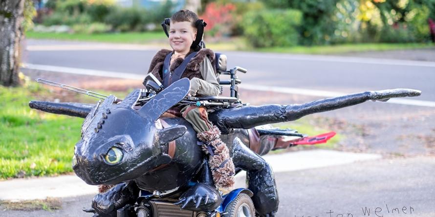 16 Kursi roda ini dihias aneka rupa, kreatif banget!