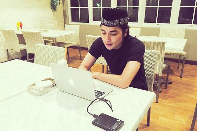 Alvin Faiz, anak ustaz Arifin Ilham yang gantengnya bikin hati adem!
