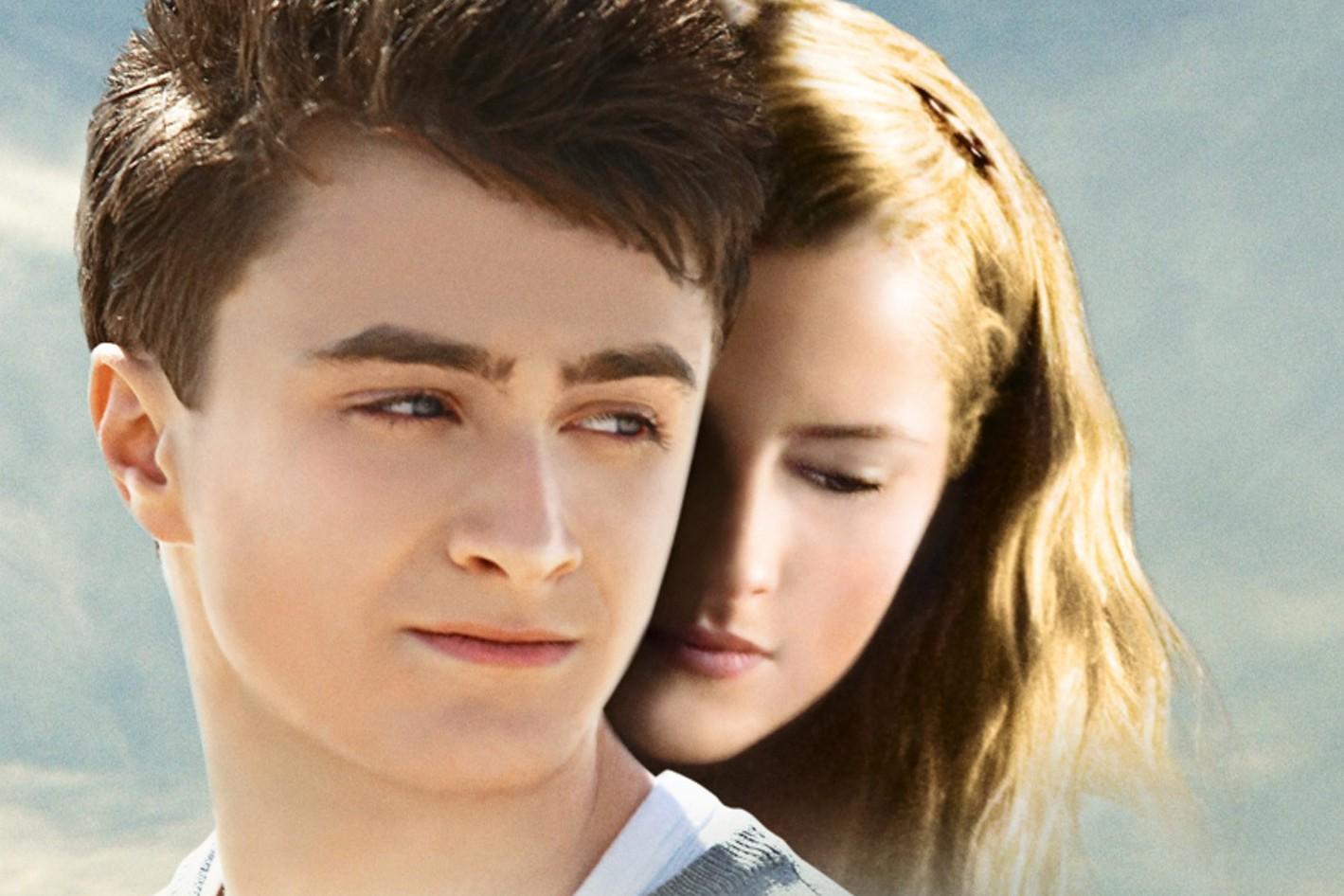 Nggak cuma Harry Potter, 10 film Daniel Radcliffe ini juga seru abis