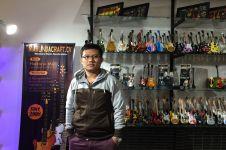 Iseng bikin miniatur alat musik, Elang kini berhasil ekspor ke Eropa